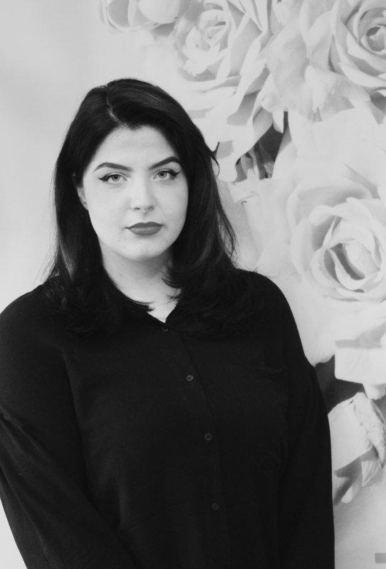 Larissa Iri - Praktikantin