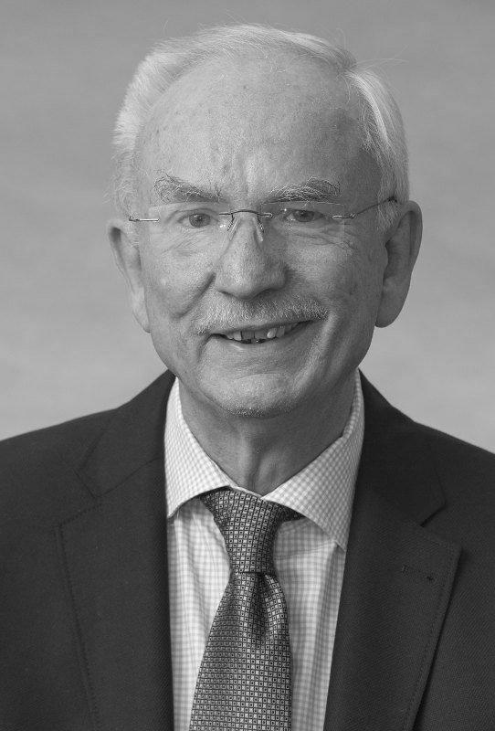Werner John - Friseurmeister und Inhaber des Salon John Celle